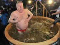 Почему на Крещение в Москве можно купаться там, где летом нельзя?