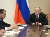 Евгений Ясин: Не изменив политику, задачу не решим