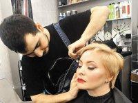 Звездный стилист: Прическа как у Ди Каприо снова в моде