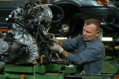 Рабочий на заводе «АвтоВАЗа»