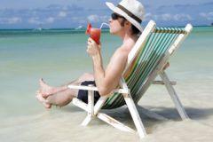Цены на стандартные полисы для путешественников не изменятся, считает эксперт