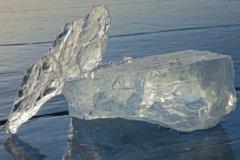 Лёд этого озера достоин целого путешествия