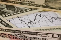 Мир привык к дешевым кредитам, и резкое повышение ставки ФРС США может вызвать шок на международных рынках