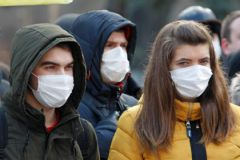 Вакцина не дает защиты от гриппа, а люди с хирургическими масками все равно заразны