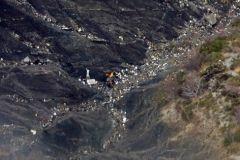 Обломки рухнувшего Airbus в горах