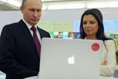 Владимир Путин и главный редактор Russia Today Маргарита Симоньян