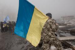 Украинские активисты заблокировали движение российских фур