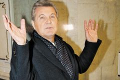 Лещенко носит турецкое пальто