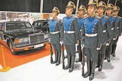 Рота специального караула Президентского полка ежедневно выступала под старинные военные марши