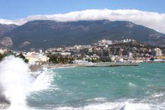 Далеко не на всех пляжах Крыма можно позагорать бесплатно