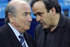 Йозеф Блаттер и Мишель Платини вместе попали под коррупционное расследование