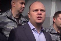 Активисты движения «Офицеры России» во главе с Антоном Цветковым на пикете против выставки Стерджеса