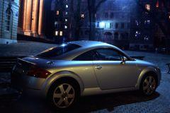Украли дорогой ретро-автомобиль с охраняемой автостоянки, которая находится на Дмитровском шоссе