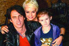 Катя Лель с семьей