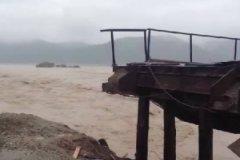 О приморском водном апокалипсисе пишут в соцсетях с тегами (темами) «Приморский край поплыл»