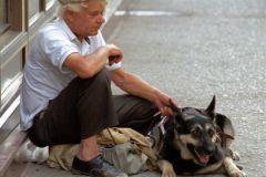 22,9 млн человек в России — за чертой бедности