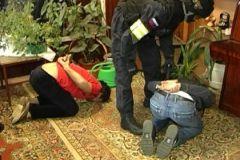 Полиция устроила самосуд над мигрантом, который изнасиловал несовершеннолетнюю
