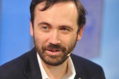 Илья Пономарев уверен, что главная цель силовиков не он, а Сурков