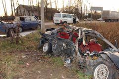 Один из попавших в аварию грузовиков перевозил опасный груз, но никаких утечек не было