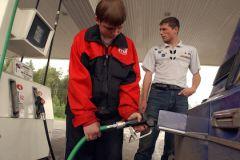 Белоруссия отказывается поставлять бензин в Россию