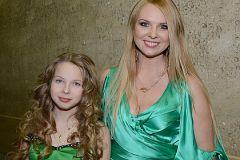 Певица Варвара с дочерью