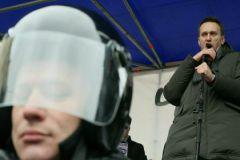 Власть не боится ни Навального, ни Немцова, полагает адвокат