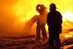 Пожар возник из-за неосторожного обращения с огнём