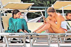 Ирина Дубцова с сыном на пляже