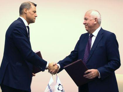 Дмитрий Страшнов и Сергей Чемезов