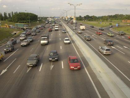 На некоторых трассах могут снять ограничения на скорость движения