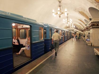 Кольцевую станцию московского метро оцепили силовики