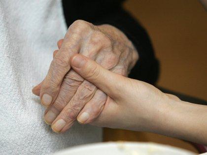 Таблетки для борьбы с симптомами деменции грозят опасной потерей веса