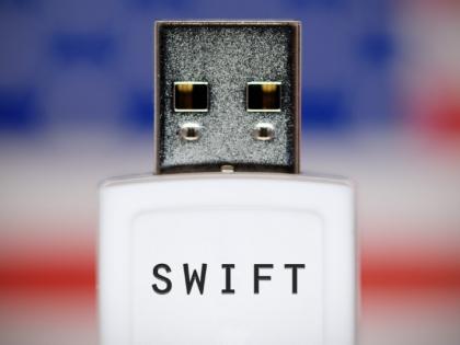 SWIFT не покинет российские банки