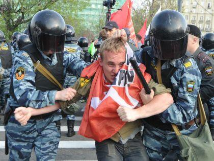 Полиция готовится разгонять митинги после парламентских выборов 2016?