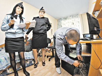 Судебные приставы умеют удивить необычными арестами