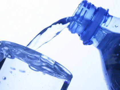 Чистая питьевая вода содержит огромное множество бактерий