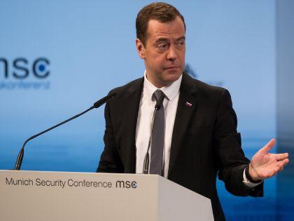 Дмитрий Медведев во время выступления на конференции в Мюнхене