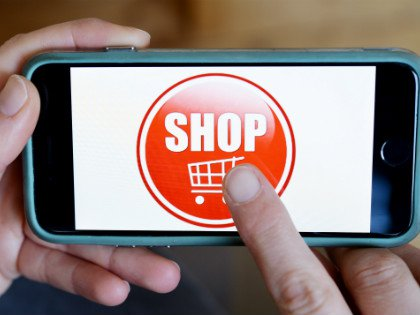 В российских интернет-магазинах россияне чаще всего покупают одежду