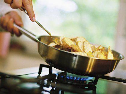 От жареной и острой пищи люди чаще испытывают злость и раздражительность