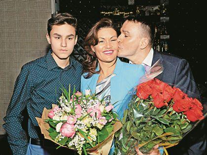 Андреев с женой Лолитой и сыном Кириллом