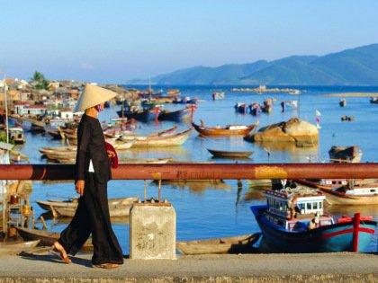 Во Вьетнаме не нужно соблюдать дресс-код, но не следует и одеваться слишком открыто