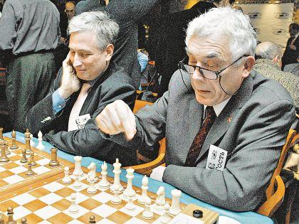 Млечин знает, что история будет посложнее шахмат!