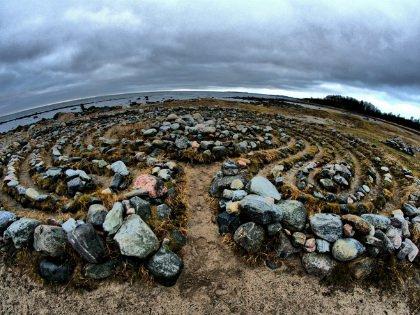 Каменные лабиринты сосредоточены на западной части Большого Заяцкого острова
