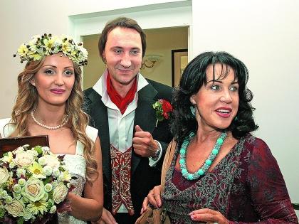 Надежда Бабкина с сыном и невесткой