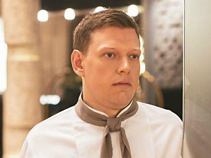 В жизни Сергей следит за своим весом и ограничивает себя в углеводах. Хотя любит сладкое