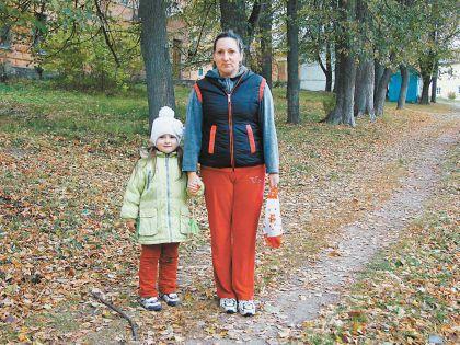 Ольга Сухова говорит, что детей здесь не страшно отпустить на улицу и одних