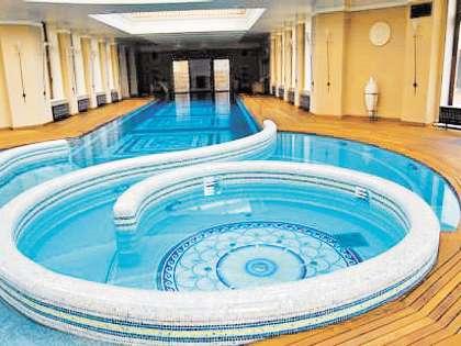Гидромассажный бассейн, контрастные купели, хаммам.