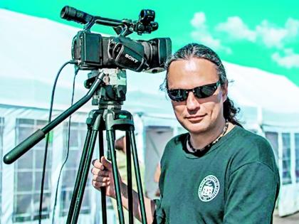 Андрей Асмус работает оператором в Питере