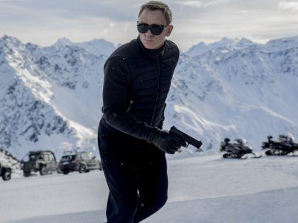 Джеймса Бонда в новом фильме заносит буквально во все уголки Старого Света