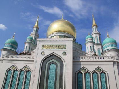 Соборная мечеть после реконструкцией стала крупнейшей в Европе